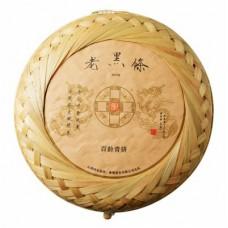 2019年番顺茶业400克老黑條百龄青饼